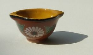 Dolls house miniatures: French porcelain bowl with a floral design