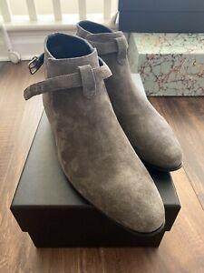 Saint Laurent Wyatt Suede Chelsea Ankle Boots Size 41.5EU 8.5US Gray/Wood - $995