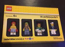 LEGO 5004941 Bricktober 2017 Minifigure Set Limited Edition Toys R Us Exclusive
