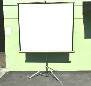 DA-LITE 5½ X 5½ BROWN PICTURE KING PROJECTOR SCREEN #7361 (ONE)