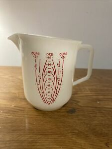 Tupperware 2 Cup Measuring Pitcher 134-2 Raised Red Lettering vintage