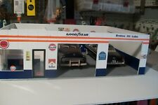 1:32,OR 1:43 SCALE GULF GAS STATION DIORAMA HAND MADE (ASSEMBALY REQUIRED)