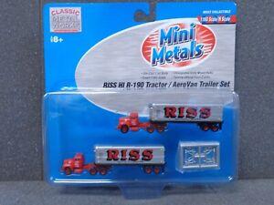 N RISS IH R-190 Tractor & Aerovan Trailer Set - Classic Metal Works #51147