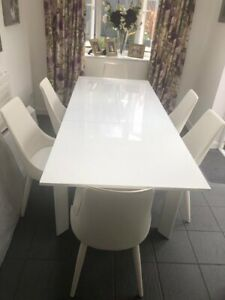 White Gloss Extending Dinning Table With 6 White Chairs