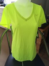 Nike Women's Legend V-Neck Tee MD Volt Yellow 684683-702 $14.99 Free Shipping