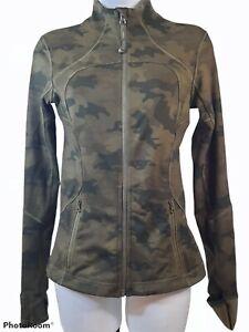 Women's Lululemon Forme Cuffins Savasana Camo Fatigue Green Jacket Size 4
