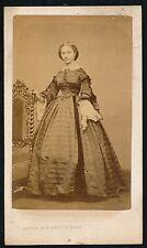 CDV c. 1865 - Jeune Femme Jolie Robe Ph. Mayer & Pierson - T875