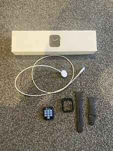 Apple Watch Series 5 44 mm Space Grey Cellular + WIFI