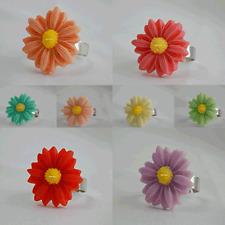 "LADIES GIRLS  ADJUSTABLE RESIN DAISY FLOWER RING Cabochons Ring "" UK Seller"