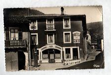 "MONTREAL (01) HOTEL-RESTAURANT HUGONNET ""HOTEL DU CENTRE"" POMPE à ESSENCE en1960"