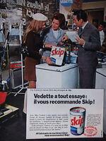 PUBLICITÉ DE PRESSE 1968 VEDETTE RECOMMANDE LA LESSIVE SKIP - ADVERTISING