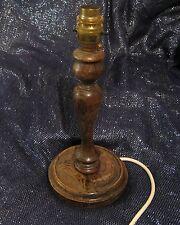 Maravillosa lámpara de escritorio basado en madera convertido & soporte, plomo con Latón Accesorios Y Larga