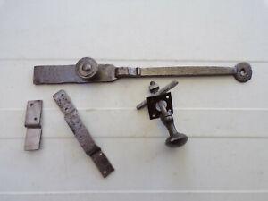 Clenche de porte ancienne en fer forgé
