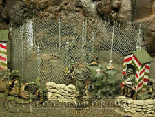 """""""RETIRED"""" Build-a-Rama 1:32 Hand Painted  Perimeter Fence Set"""