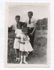 PHOTO ANCIENNE Enfant Poupon Poupée Jouet Jeu 1950 Alignement Frère Soeur 4