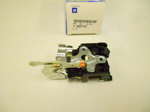 10347137 GM REAR DOOR LOCK CHEVY VENTURE PONTAIC MONTANA