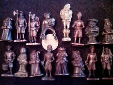 lot: 16 petites STATUETTES collection
