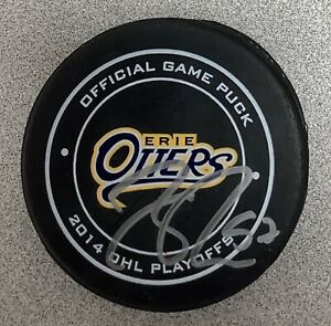 Connor McDavid Signed Puck Hockey Edmonton Oilers Otters NHL Autograph PSA/DNA