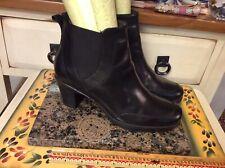 "CLARKS bendable Side Zip Black Leather Ankle Boots Women's Sz 7.5 M 2 1/2"" Heel"