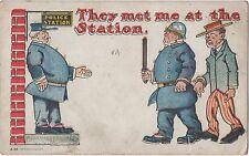 POSTCARD  COMIC  Policeman   Theme They met me at the Station