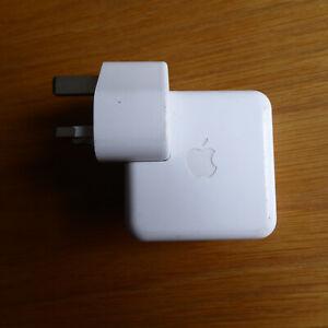 Apple A1070 Ipod Power Adapter -uk Plug Firewire Year 2004