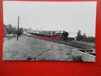 PHOTO  BR RIDDLES BRITANNIA 4-6-2 70045  LORD ROWALLAN  - THE IRISH MAIL AT COLW