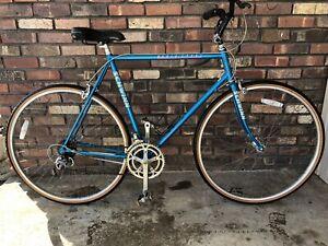 VINTAGE SCHWINN BLUE WORLD TOUER BICYCLE MINT CONDITION