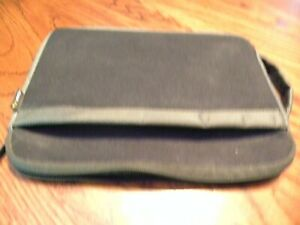 Solo I-Pad Carrying Case Black Zippered