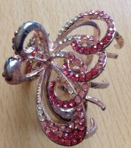 A Stunning Metal Claw Clip With Clear And Pink Diamanté Stones