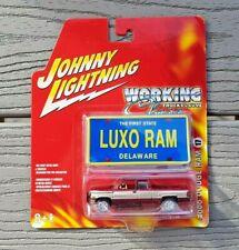 JOHNNY LIGHTNING 1/64 2000 DODGE RAM 1500 PICK UP 4 X 4 W/ PLATE ITEM 50153C F/S
