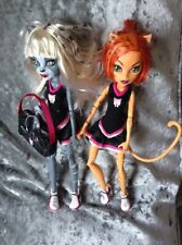 Monster high dolls Werecat Meowlody and Toralei  cheerleaders dolls with bag.