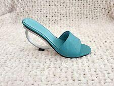 Just the Right Shoe - Geometrika