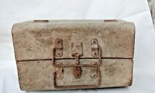OLD  ANTIQUE VINTAGE UNIQUE FOLDING PAINTED TIN BARBER TOOLS CARRY TRAVEL BOX