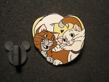 2013 DISNEY DUCHESS  & THOMAS O MALLEY 2 CAT PIN