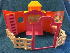 POLLY POCKET FASHION RIDE-IN STYLE RANCH HORSE STABLE