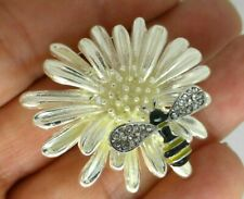 Daisy flower bee brooch silver yellow black enamel vintage style insect pin