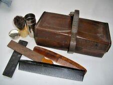 Antiguo Vanidad Afeitado Set 2 X Navajas, cepillo de pelo de tejón, Estuche De Cuero