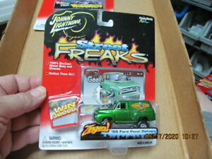 Johnny Lightning Zingers Street Freaks '55 FORD PANEL DELIVERY Van Diecast 1/64