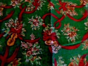 CHRISTMAS TABLE RUNNER RECTANGULAR AND POINTED WITH TASSEL