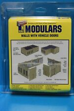 WALTHERS CORNERSTONE SERIES N SCALE MODULARS WALLS WITH VEHICLE DOORS 933-3285