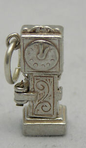 OPENING STERLING SILVER HICKORY DICKORY DOCK CHARM