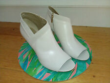 Bandolini Cream High Heel Shoes Sz 10M NWOT