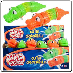 WIND UP CLOCKWORK CROCODILE Spring Toy Crawling Plastic Snappers Spring Fun X3