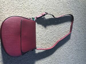 United colours of benetton, crossbody woman bag, burgundy, new with tags
