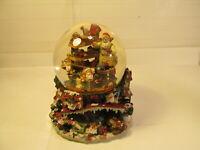 Musical Water Snow Globe Grandeur Noel Santa's Workshop Collector's Edition 1999