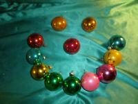 ~ 12 alte Christbaumkugeln Glas bunt pink grün blau gelb gold Weihnachtskugeln ~