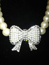 WHITE PEARL NECKLACE WITH CRYSTAL BOW