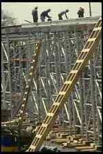 063088 red trabajar con los trabajadores con un puente A4 Foto Impresión