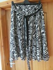 MONSOON BLACK ECRU A LINE FLARE SKIRT WITH TIE TO WAIST SIZE 18- EXCELLENT