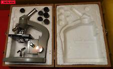 Altes Mikroskop mit Zubehör in einem Holzkoffer - REVUE No. 56674